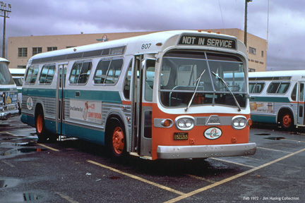 AC Transit bus number 807